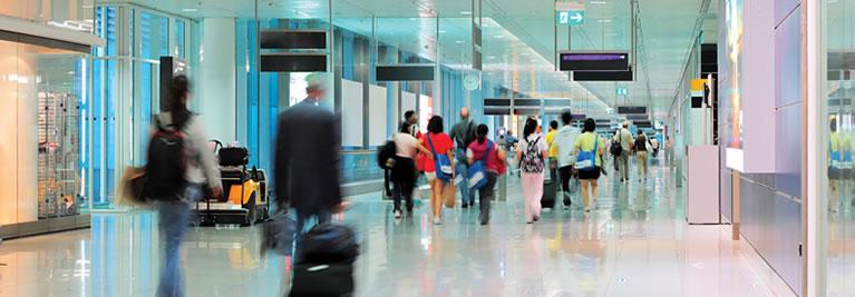 Líneas que se desvanecen, aeropuertos que invierten en tecnología para una mejor experiencia de pasajeros