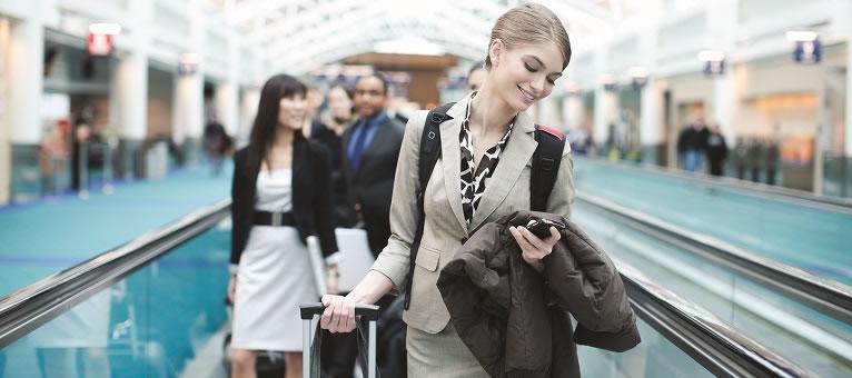 Flujo de pasajeros sin interrupciones en el aeropuerto
